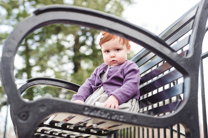 baby_on_park_bench
