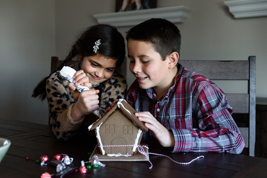 2019_gingerbread_houses-3641